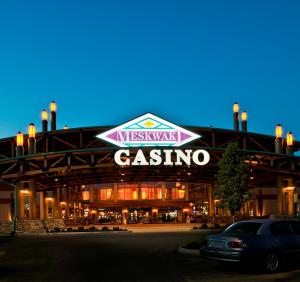 meskwaki bingo casino hotel 305th street tama ia