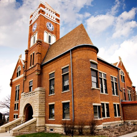 Tama County Courthouse